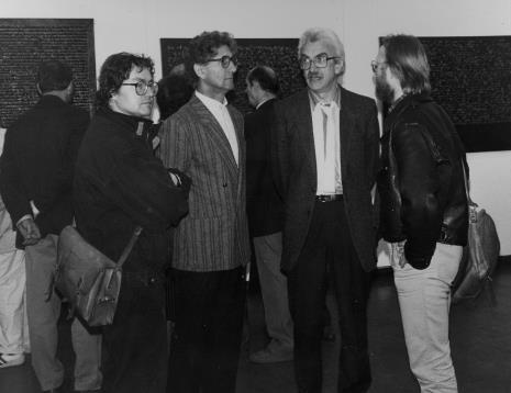 Od lewej Adam Klimczak (Galeria Wschodnia w Łodzi), Andrzej Gieraga i Ryszard Hunger (PWSSP w Łodzi), Jerzy Grzegorski (Galeria Wschodnia w Łodzi)