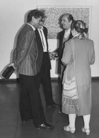Od lewej pedagodzy PWSSP w Łodzi: Andrzej Gieraga, Ryszard Hunger i Stefan Krygier, z prawej Janina Ładnowska (Dział Sztuki Nowoczesnej)