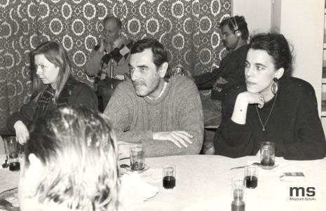 Maria Morzuch (Dział Sztuki Nowoczesnej), Tomasz Ciecierski, Anna Beller, w głębi dziennikarze Polskiego Radia