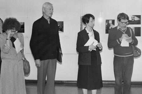 Od lewej red. Ewa Karwowska (Głos Robotniczy), prof. Tadeusz Pawłowski (Uniwersytet Łódzki), Urszula Czartoryska (Dział Fotografii i Technik Fotograficznych), red. Zbigniew S. Nowak (Kalejdoskop)