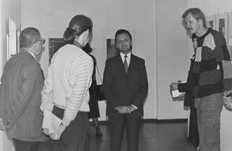 Od lewej (tyłem) dyr. Ryszard Stanisławski (ms) i Aleksandra Mańczak, Janusz Urbaniak (wiceprezydent Łodzi), Krzysztof J. Cichosz (Galeria FF)
