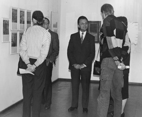 Od lewej (tyłem) Aleksandra Mańczak, dyr. Ryszard Stanisławski (ms), Janusz Urbaniak (wiceprezydent Łodzi), Krzysztof J. Cichosz (Galeria FF)