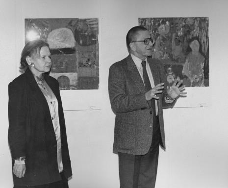 Komisarz wystawy Janina Ładnowska (Dział Sztuki Nowoczesnej) i dyr. Ryszard Stanisławski (ms)