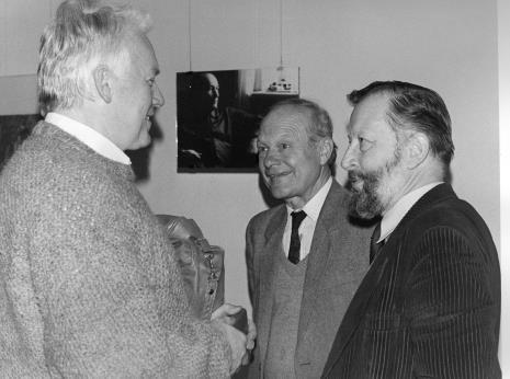 Od lewej x, doc. Aleksander Jaśkiewicz (WSP w Częstochowie), dr Janusz Hereźniak (Uniwersytet  Łódzki)