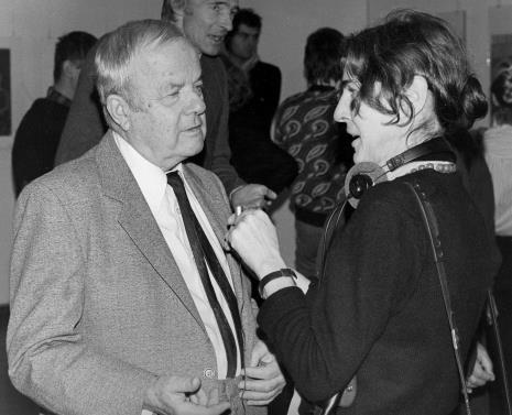 Doc. Jerzy Zanoziński (Muzeum Narodowe w Warszawie) udziela wywiadu red. Krystynie Namysłowskiej (Polskie Radio)