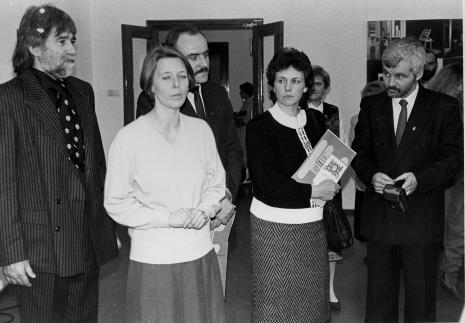 Od lewej Bogusław Kobierski (grupa Hajnówka), Katarzyna Jasińska (Dział Promocji), x, Danuta Wałęsa (Fundacja Sprawni inaczej), Jan Krzysztof Bielecki (Fundacja Sprawni inaczej)