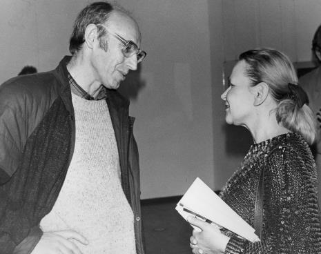Historyk Jacek Strzałkowski i Janina Ładnowska (Dział Sztuki Nowoczesnej)