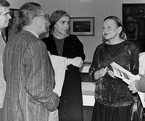 Od lewej dr Jacek Ojrzyński (Dział Dokumentacji Naukowej), dyr. Ryszard Stanisławski (ms), red. Krystyna Namysłowska (Polskie Radio), Janina Ładnowska (Dział Sztuki Polskiej)