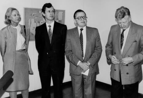 Od lewej Felicitas Karg-Baumeister (córka artysty), Grzegorz Palka (prezydent Łodzi), dyr. Ryszard Stanisławski (ms), Rolf Thiernger (burmistrz Stuttgartu)