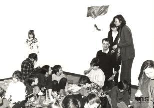 """Akcja dla dzieci i młodzieży """"Karton - czysta powierzchnia i co dalej"""" inspirowana wystawą Tomasza Osińskiego """"Mieszanka"""""""