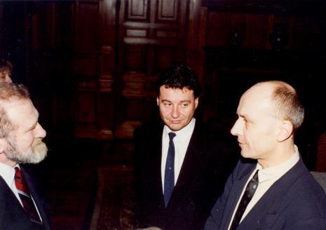 Prof. Bronisław Geremek, dyr. Jaromir Jedliński (ms), Marek Czekalski (prezydent Łodzi)