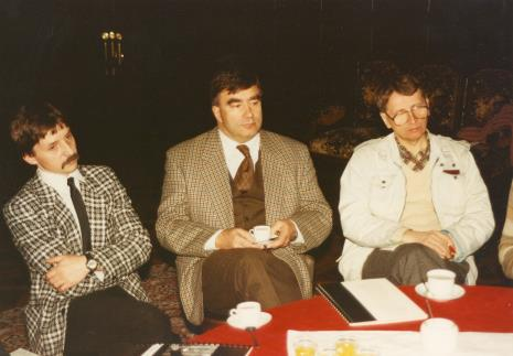 Od lewej dyr. Adam Nadolski (Muzeum Przyrodnicze Uniwersytetu Łódzkiego), dyr. Norbert Zawisza (Muzeum Włókiennictwa w Łodzi), red. Michał Strzelecki