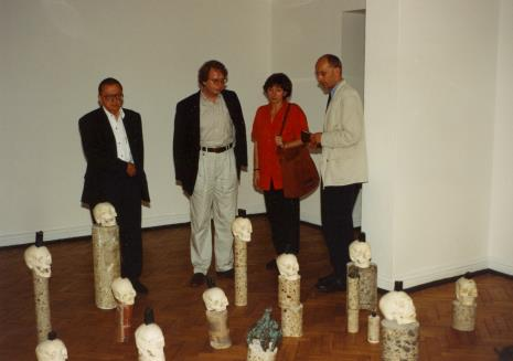 Od lewej Ryszard Stanisławski, Dyr. Christoph Brockhaus (Duisburger Wilhelm Lehmbruck Museum), Agnieszka Lulińska, dyr. Jaromir Jedliński (ms)