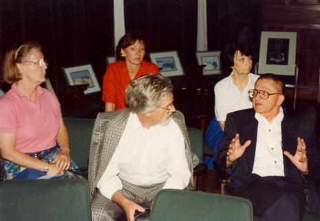 Od lewej x, x, z tyłu Agnieszka Lulińska, Urszula Czartoryska (Dział Fotografii i Technik Wizualnych), Ryszard Stanisławski