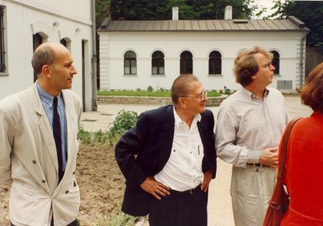 Od lewej dyr. Jaromir Jedliński (ms), Ryszard Stanisławski, dyr. Christoph Brockhaus (Duisburger Wilhelm Lehmbruck Museum)