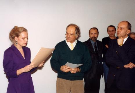 Od lewej Gerdie Verschoor (ambasada Holandii), Carel Visser, artyści związani z PWSSP w Łodzi Grzegorz Sztabiński i Jacek Bigoszewski, dyr. Jaromir Jedliński (ms)