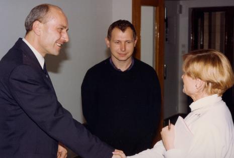 Dyr. Jaromir Jedliński (ms), malarz Włodzimierz Pawlak, x