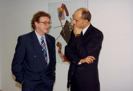 Komisarze wystawy: dyr. Fritz Bless (Van Reekum Museum Apeldoorn), dyr. Jaromir Jedliński (ms)