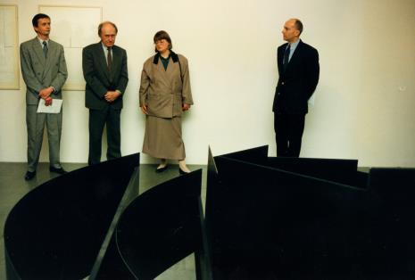 Od lewej P. Łukasiewicz (Ministrestwo Kultury i Sztuki), Stanislav Kolíbal, x, dyr. Jaromir Jedliński,