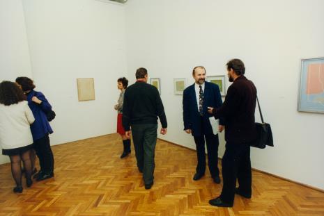 Z prawej Grzegorz Sztabiński (w garniturze) w rozmowie z Wiesławem Karolakiem