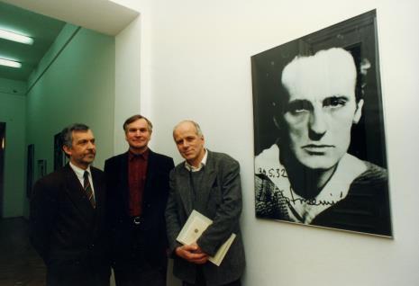 Lech Leszczyński (Urząd Miasta Łodzi), Józef Robakowski, Janusz Zagrodzki (wicedyrektor Muzeum Narodowego w Warszawie)