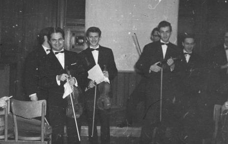 Kompozytor Jerzy Bauer wśród publiczności