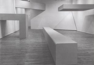 [Zaproszenie] Robert Morris. Uwagi o rzeźbie. Obiekty, instalacje, filmy/ Notes on Sculpture. Objects, Installations, Films.