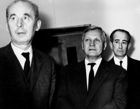 Od lewej Zenon Kliszko (Członek Biura Politycznego KC PZPR), Józef Spychalski (I sekretarz KŁ PZPR), Wojciech Wilski (dyrektor Zespołu ds. plastyki w MKiS)