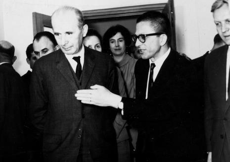 Dyr. Ryszard Stanisławski i Zenon Kliszko (Członek Biura Politycznego KC PZPR), w głębi Janina Ojrzyńska (Dział Naukowo - Oświatowy)