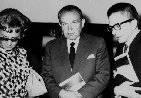 Od lewej Zofia Włodarczykowa (KŁ PZPR), Edward Kaźmierczak (przewodniczący Rady Narodowej w Łodzi), dyr. Ryszard Stanisławski