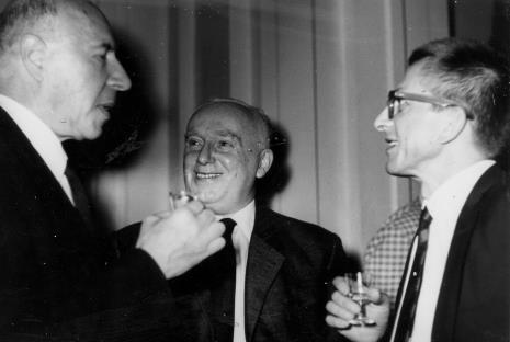 Od lewej Michael Seuphor, prof. Juliusz Starzyński, dyr. Ryszard Stanisławski