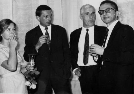 Od lewej Janina Pierzgalskia-Tworek, Ireneusz Pierzgalski, Eugeniusz 'Geno' Małkowski, dyr. Ryszard Stanisławski