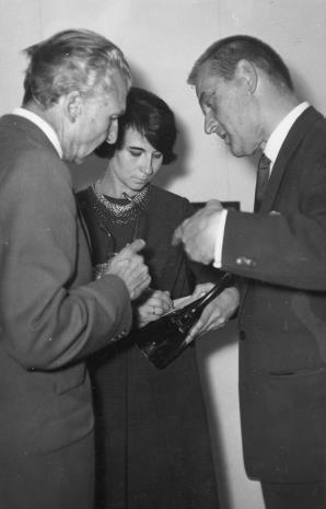 Wernisaż, od lewej prof. René Berger-Chozanna, Urszula Czartoryska (Dział Fotografii i Technik Wizualnych), Kajetan Sosnowski