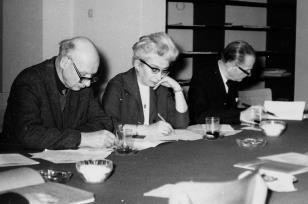 Od lewej red. Mieczysław Jagoszewski (Dziennik Łódzki), red. Jadwiga Sakowiczowa (Głos Robotniczy), red. Roman Janisławski (PAP)