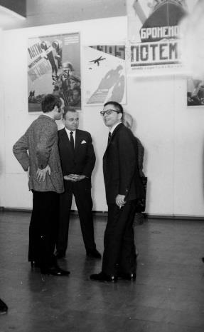 Od lewej inż. Jakub Wujek, Edward Kaźmierczak (przewodniczący Rady Narodowej w Łodzi), dyr. Ryszard Stanisławski