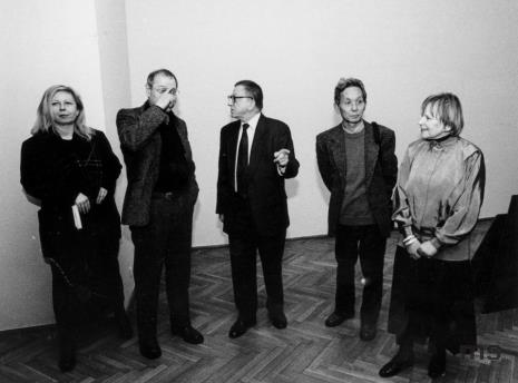 Od lewej Maria Morzuch (Dział Sztuki Nowoczesnej), Royden Rabinowitch, Ryszard Stanisławski, Koji Kamoji, Janina Ładnowska (Dział Sztuki Nowoczesnej)