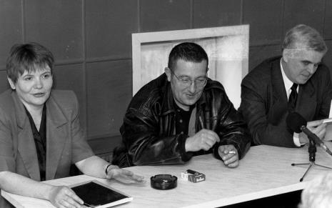 Konferencja prasowa, od lewej komisarz wystawy Zenobia Karnicka (Dział Sztuki Nowoczesnej), Mariusz Kruk, dr Jacek Ojrzyński (Dział Dokumentacji Naukowej)