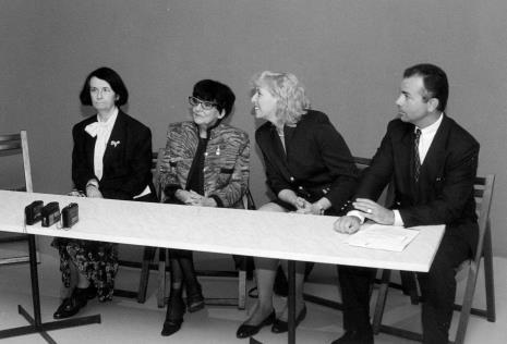 Od lewej komisarz wystawy Urszula Czartoryska (Dział Fotografii i Technik Wizualnych), Denise Rene, A. Perlińska (Alliance Frances), attache kulturalny Ambasady Francji