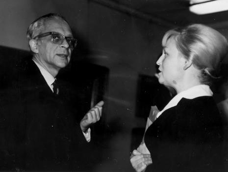 Prof. Mieczysław Porębski w rozmowie z Anną Łabęcką (Dział Sztuki Nowoczesnej)
