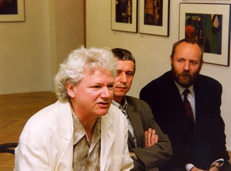 Od lewej Robert Walker, Krzysztof Jurecki (Dział Fotografii i Technik Wizualnych, współpraca kuratorska), dyr. Mirosław Borusiewicz (ms)