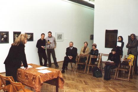 Od lewej Tatiana Wojda (właścicielka Galerii Ars Nova w Łodzi), reporter Radia ESKA w Łodzi, reporter radia RMF FM, dyr. Mirosław Borusiewicz (ms), Lucyna Hoszowska (Dział Promocji)