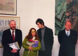 Dwie równoległe, odbywające się w tym samym czasie wystawy nawiązujące do osoby niemieckiego artysty Kurta Schwittersa.