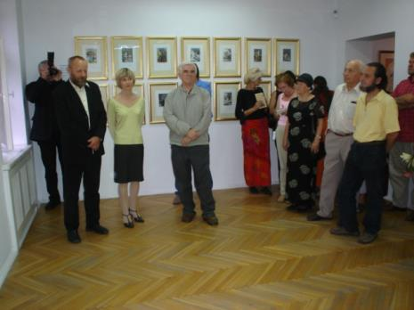 Od lewej dyr. Mirosław Borusiewicz (ms), Marta Wlazeł (kuratorka wystawy, Dział Edukacji), Jacek Ojrzyński (wicedyrektor ms)