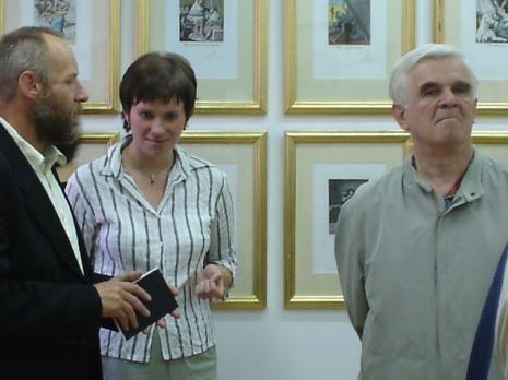 Od lewej dyr. Mirosław Borusiewicz (ms), Joanna Świnoga (sekretariat),  Jacek Ojrzyński (wicedyrektor ms)