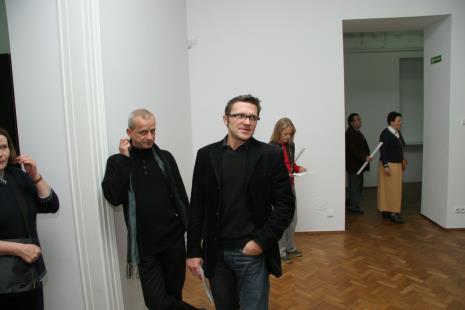 Dyr. Jarosław Suchan (ms) 9 Janusz Głowacki (Galeria 86 w Łodzi)