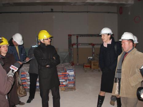 Konferencja prasowa i wizyta dziennikarzy na placu budowy budynku ms2