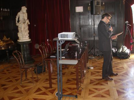 Dyr. Jarosław Suchan (ms) otwiera obrady