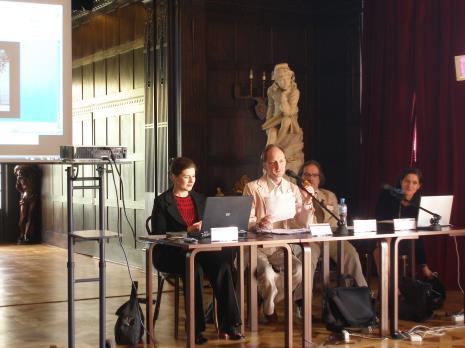Od lewej Valerie Hillings (kurator The Guggenheim Museum w Nowym Jorku), Paweł Leszkowicz (Uniwersytet im. Adama Mickiewicza w Poznaniu), Luiz GuilhermeVergara (dyr. Niterói Contemporary Art Museum, Brazylia), Susanne Titz (dyr. Städtisches Museum Abteiberg w Mönchengladbach)
