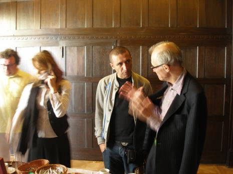 Sarmen Beglarian w rozmowie z Warrenem Niesluchowskim, z lewej Cezary Bodzianowski i Christine Macel (Centrum Pompidou w Paryżu)