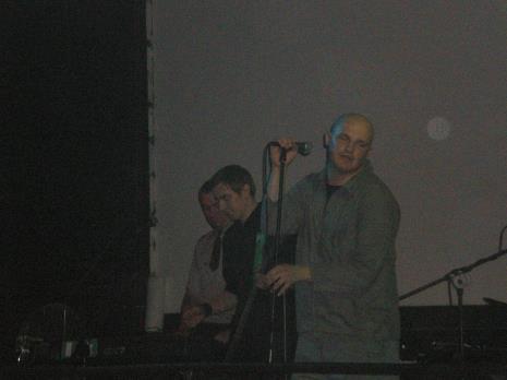 Występ zespołu 19 Wiosen, przy mikrofonie Marcin Pryt